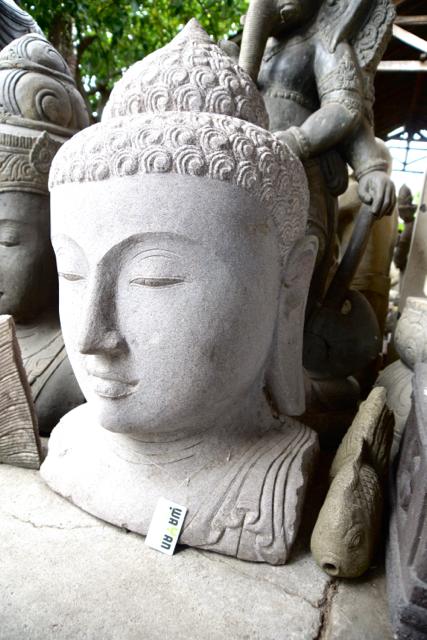 handgeschlagene Buddha Steinstatue aus weissem Stein