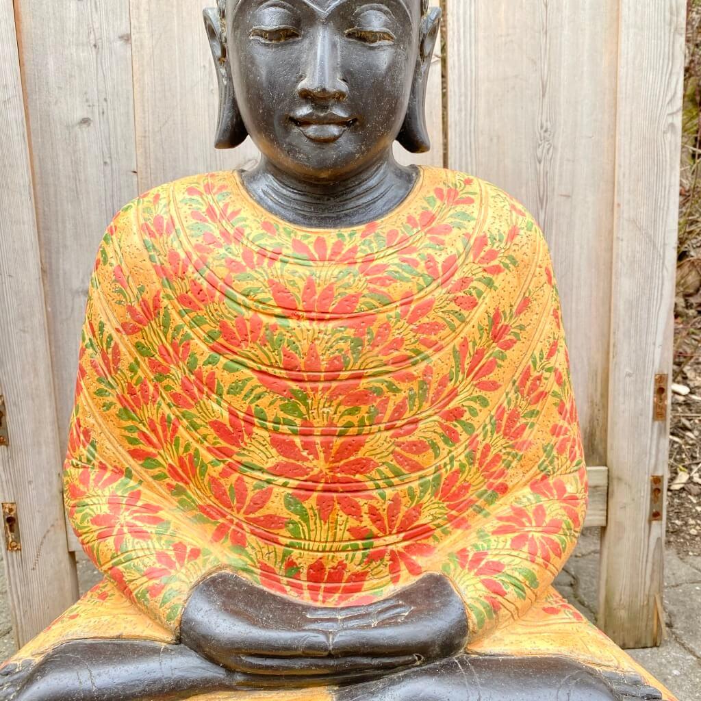 Buddhastatue Batikdesign Flussstein 82 cm