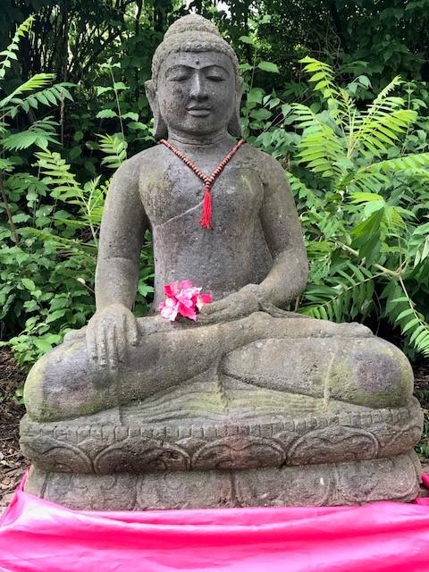 Buddha frostsicher für den Gartenteich