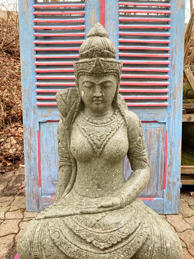 Göttin Dewi Steinfigur 100 cm
