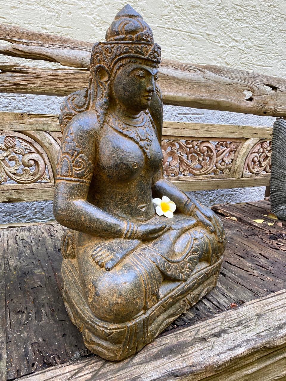 Göttin der Fruchtbarkeit mit Antikfinish 65 cm