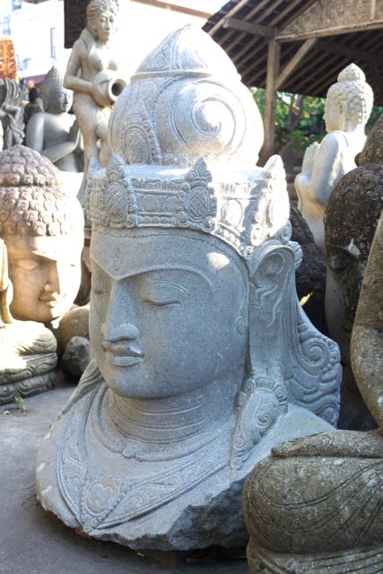 Meisterstück der Steinmetzkunst Göttin Dewi