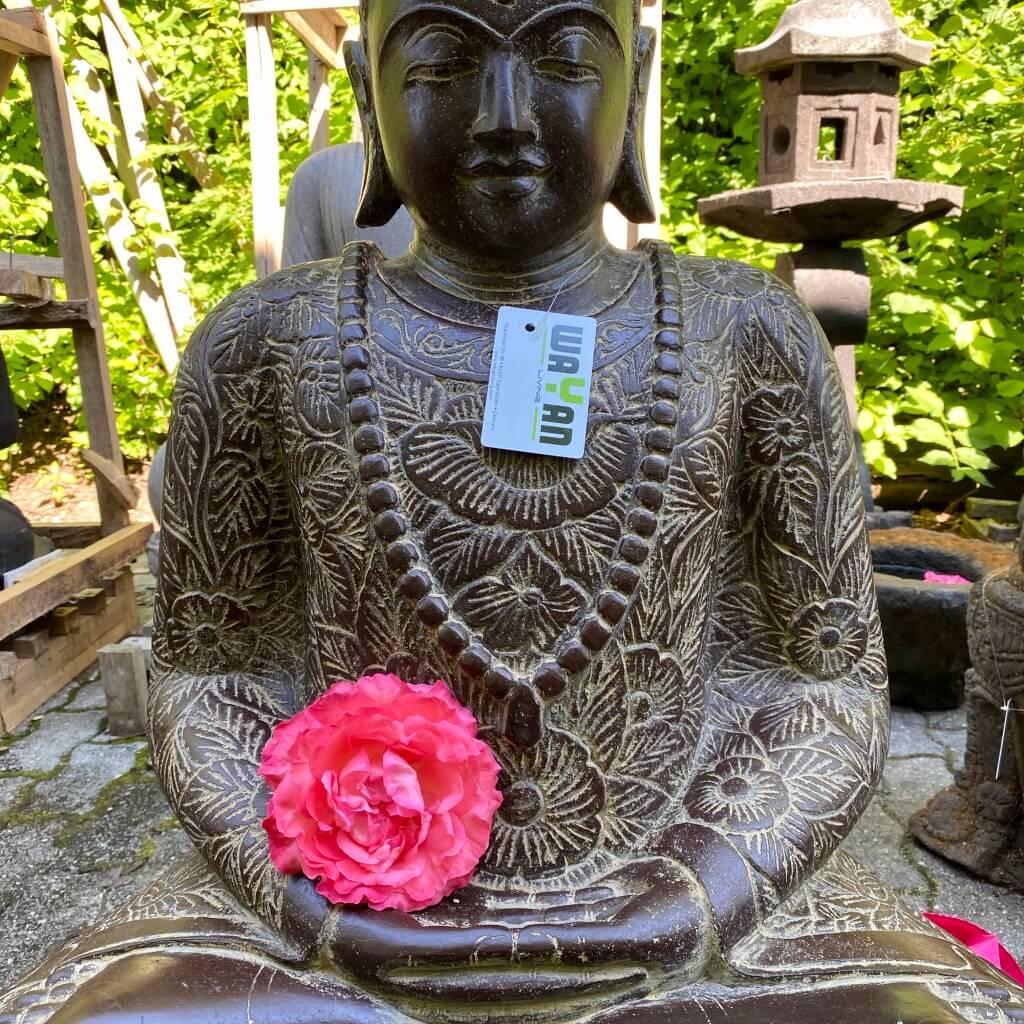 Buddha Steinstatue Flussstein 91 cm