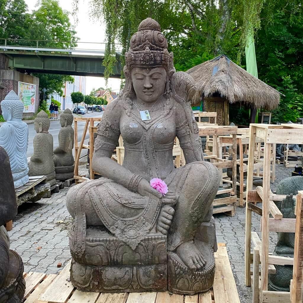mächtige Göttin Dewi mit Monsoonfinish 160 cm