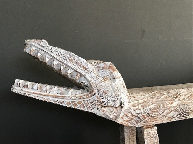 Krokodil Wohnmöbel
