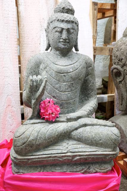 scöner Buddha aus Stein