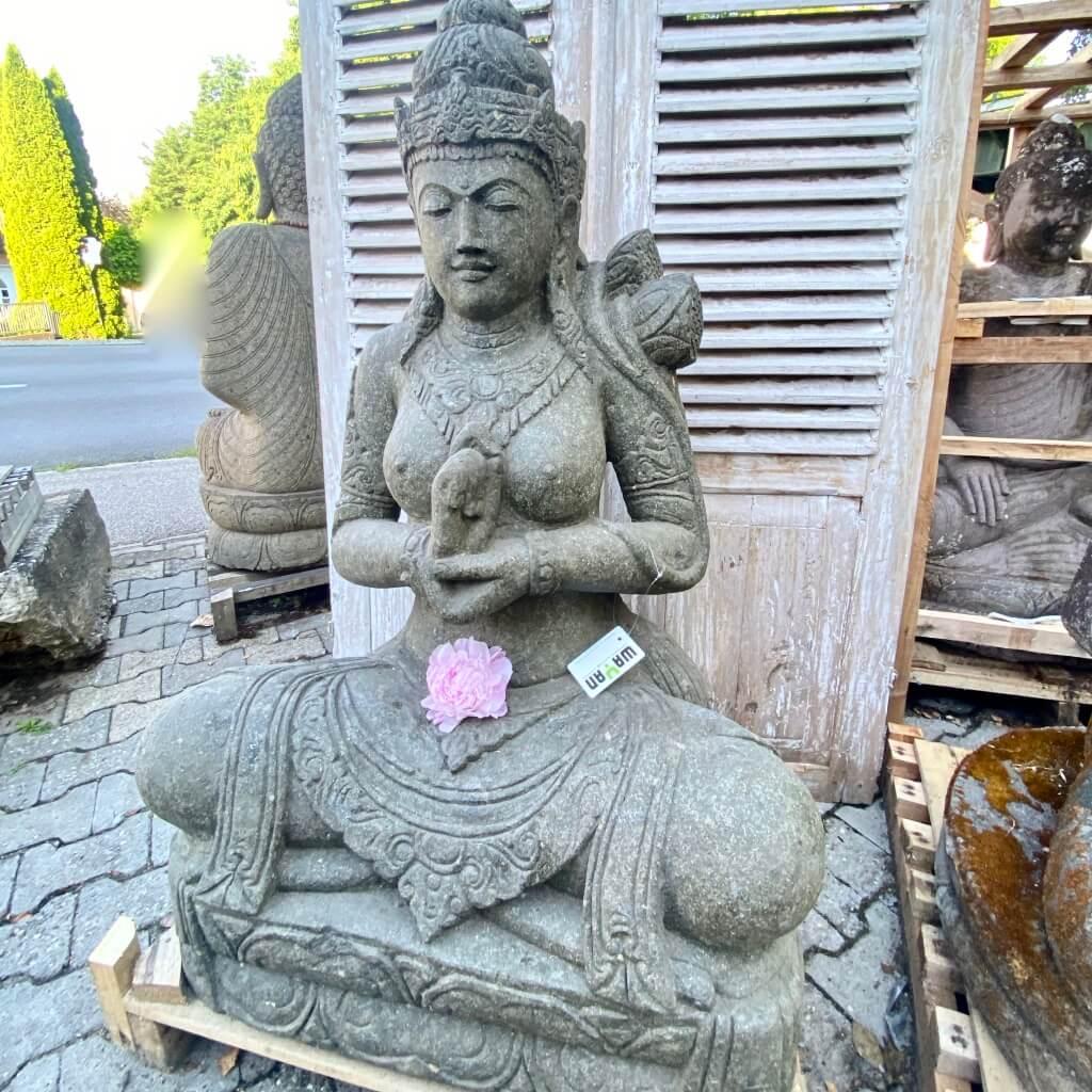 Göttin Dewi Steinfigur 122 cm