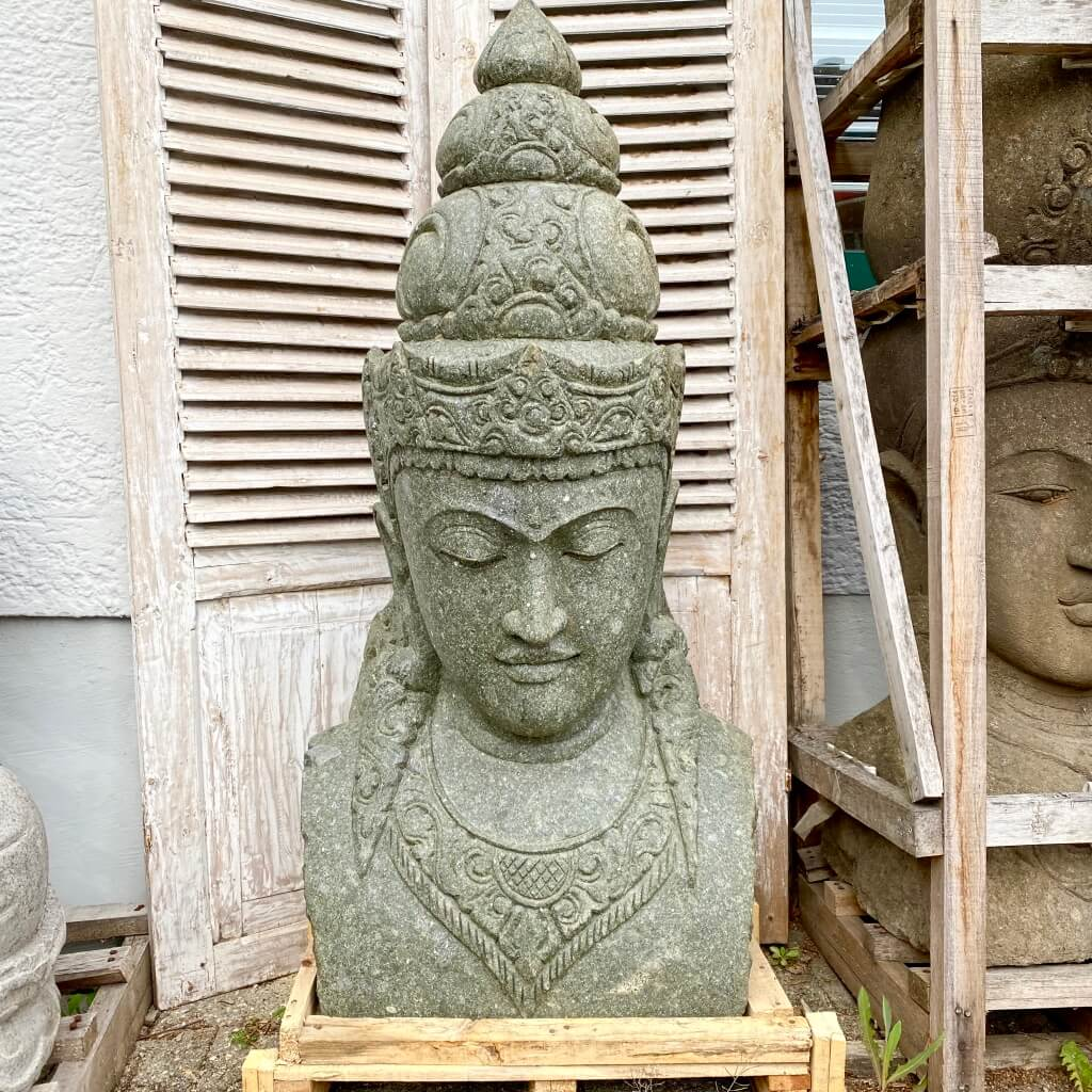 monumentale Steinbüste Göttin Dewi 132 cm