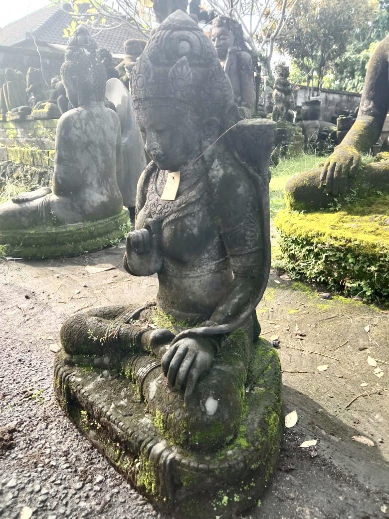 Monsoon Göttin Dewi Tara Steinfigur  90 cm