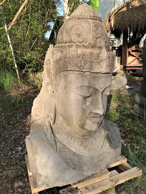 Steinfigur Göttin Dewi