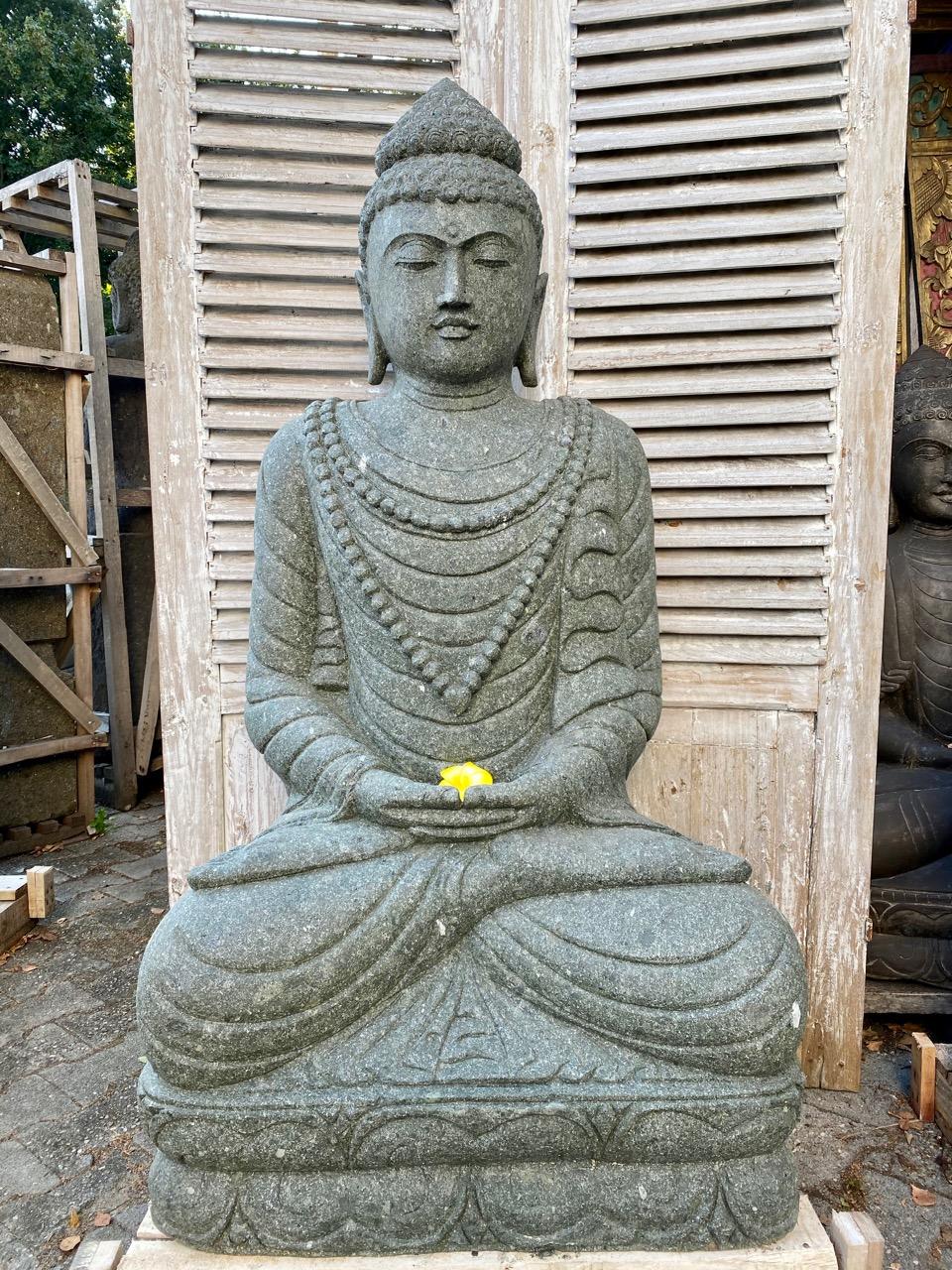 Buddhastatue aus Stein