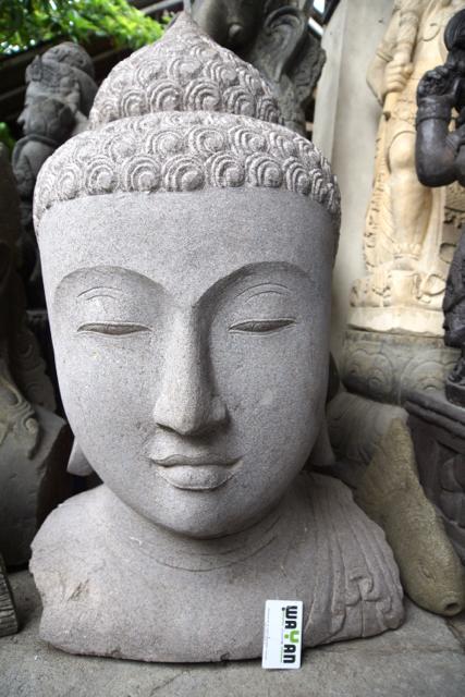 weisse Buddhastatue aus Bali