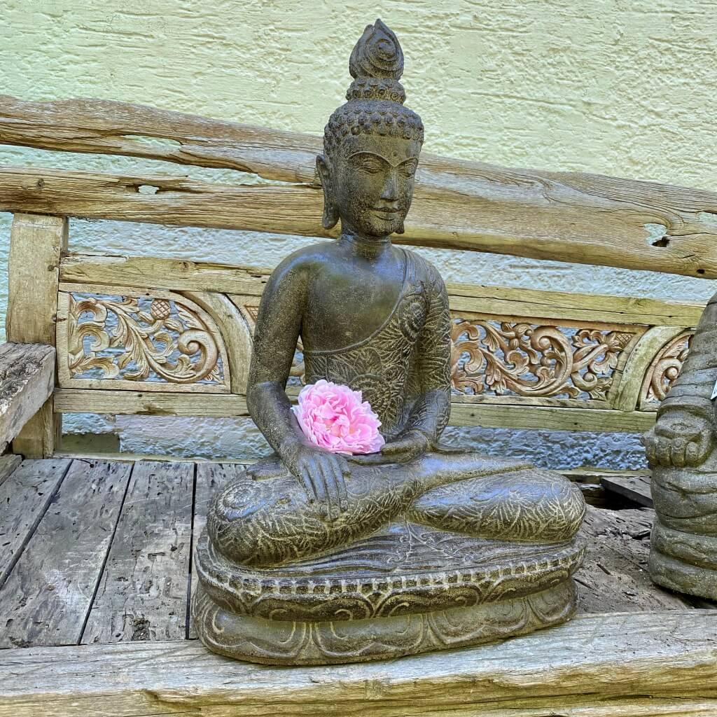 Antikstyle Buddhafigur aus Flussstein 81 cm