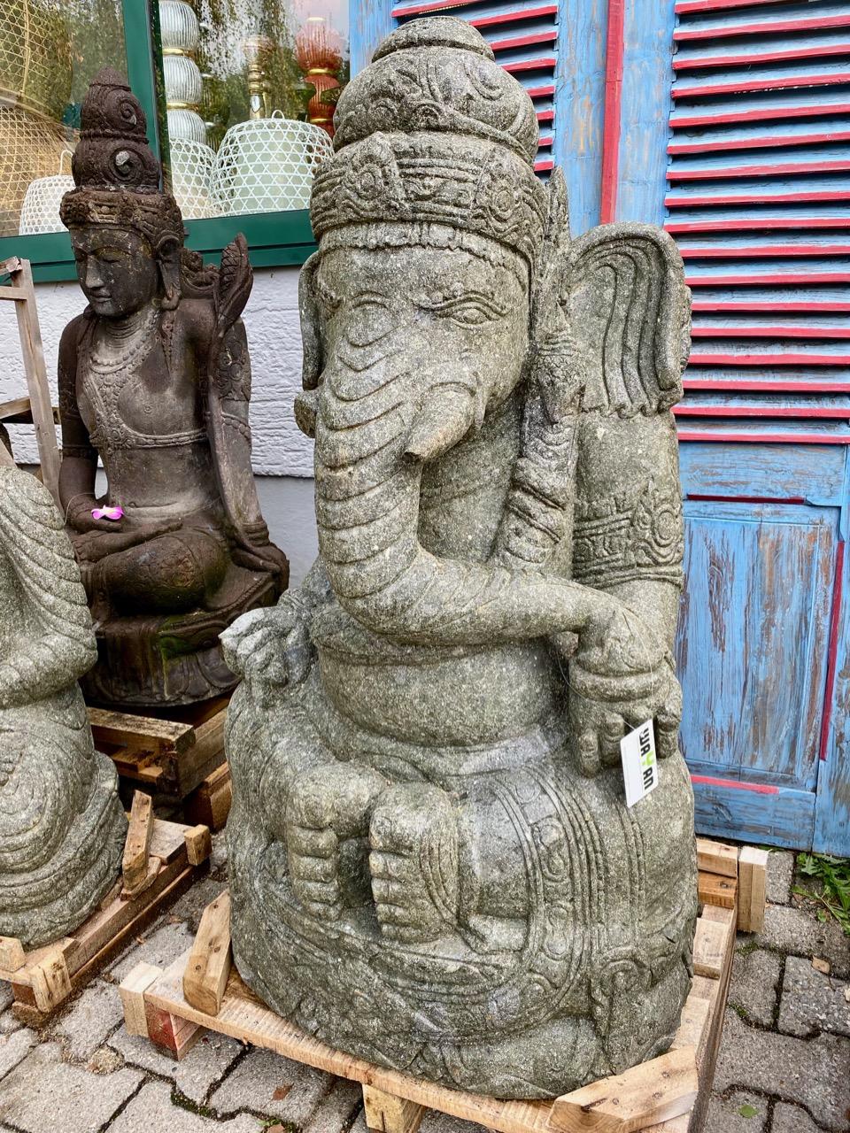Ganesha aus Stein für den Asiagarten