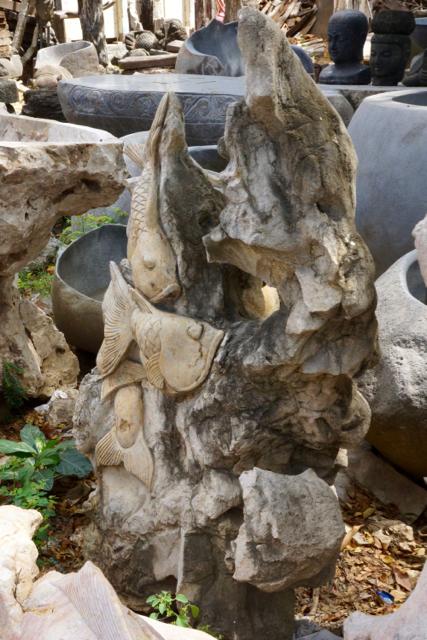 Fische aus massivem Marmorstein geschlagen 120 cm