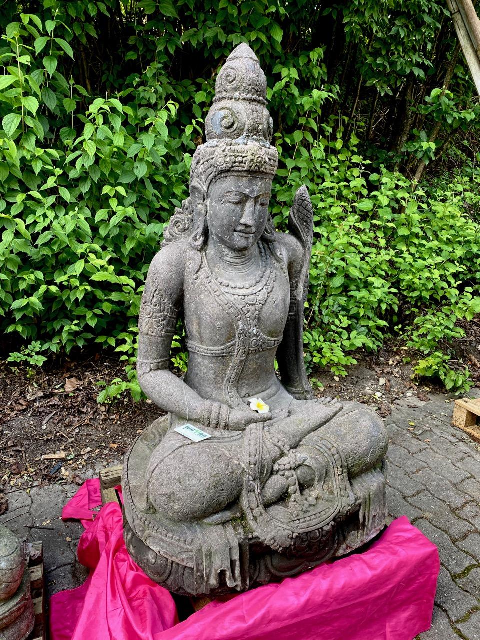 Steinfigur Göttin Dewi Tara