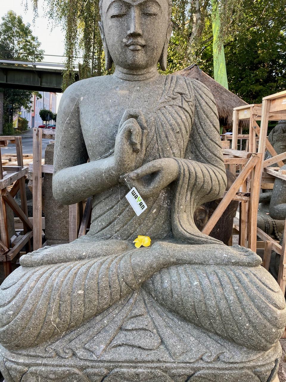 großer Buddha aus Naturstein 161 cm