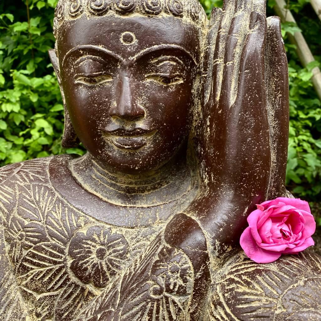 Relax Buddha Flussstein antikstyle  81 cm