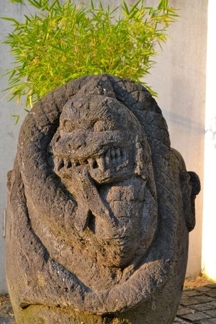 Pflanzgefäß Steintrog Topf aus Lavastein 95 cm