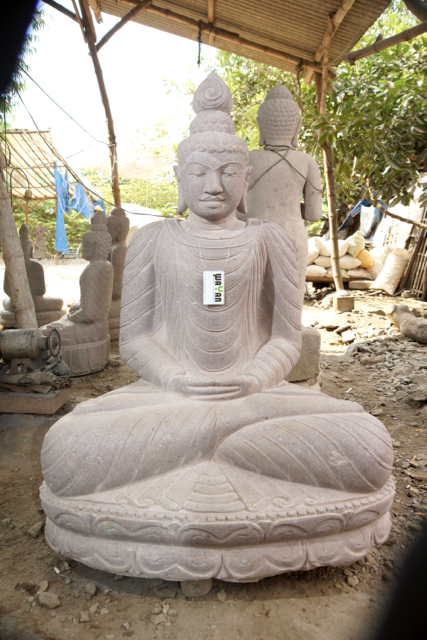 Thai Style Buddhastatue