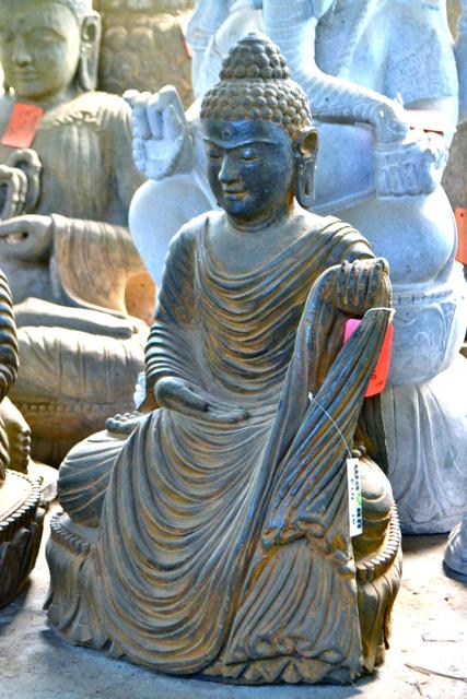 Buddha mit Dress