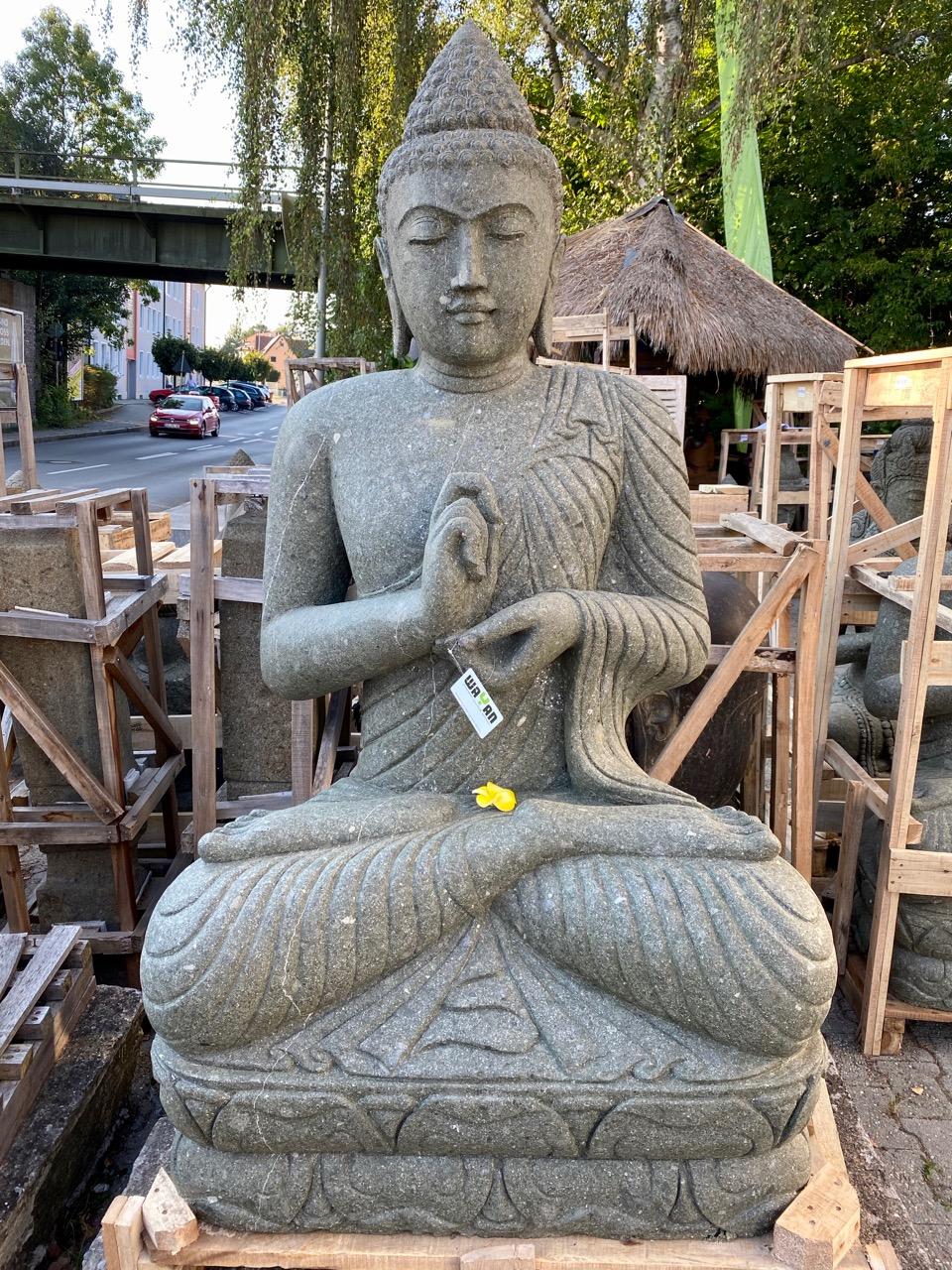 großer Buddha für den Garten