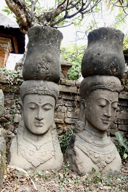 Steinstatue Dewi
