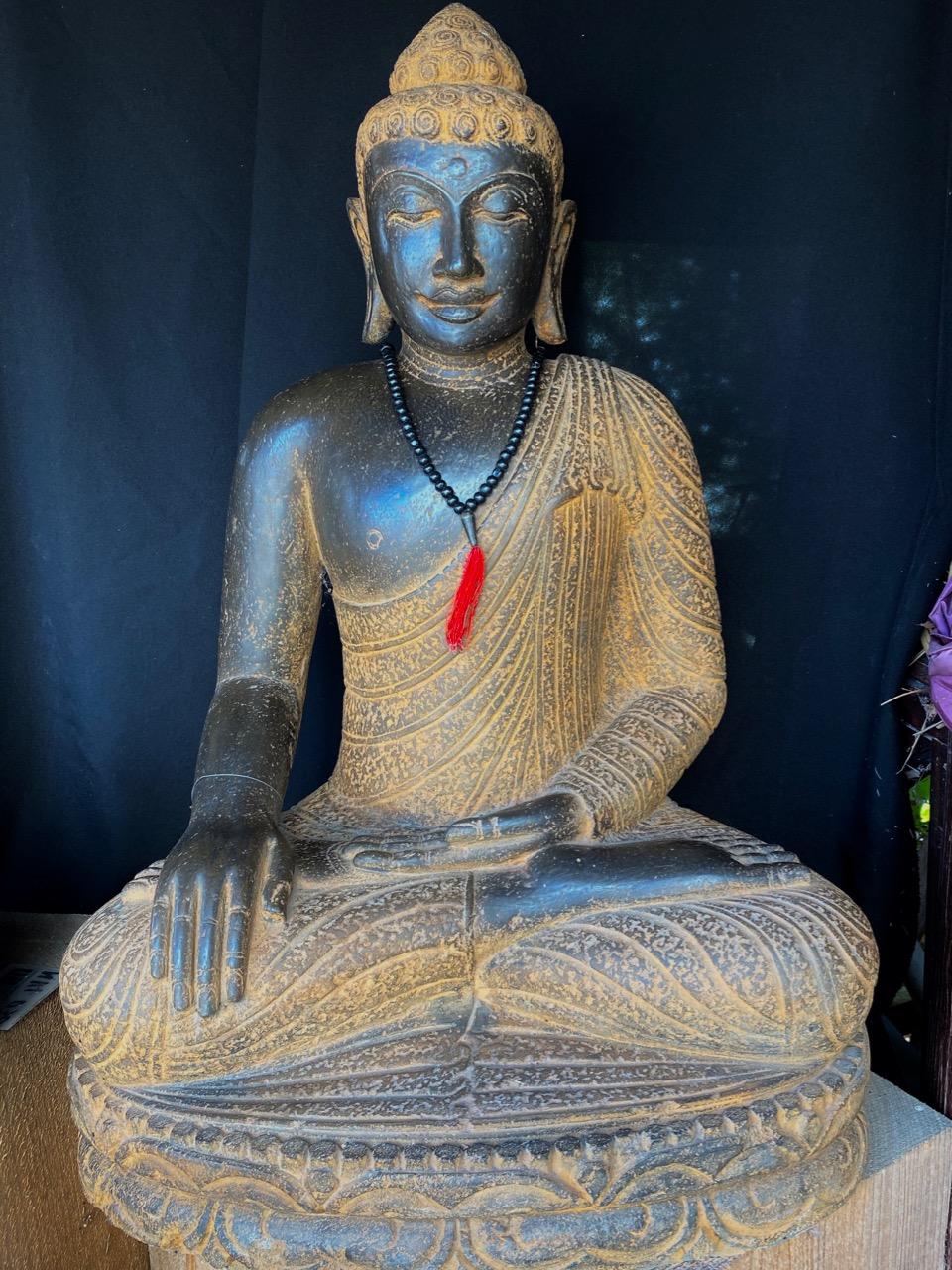 beeindruckender antikstyle Buddha