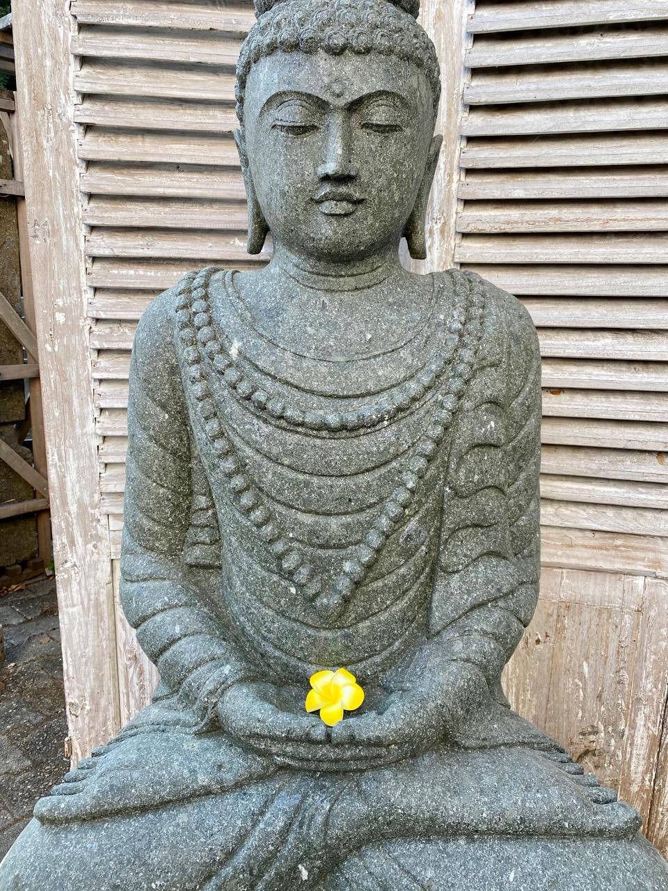 Buddhastatue mit Mala 133 cm