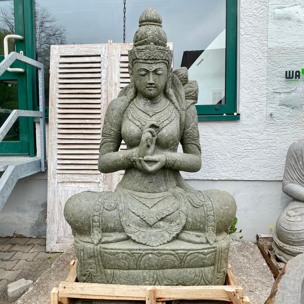 mächtige Göttin Dewi Steinfigur 162 cm