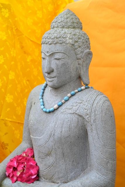 Steinbuddha für den Asiagarten