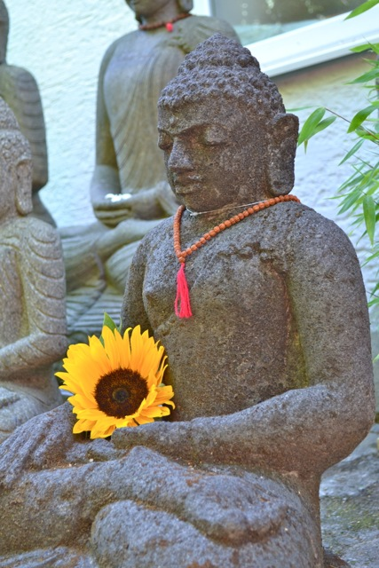 Monsoon Buddha Steinfigur 66 cm
