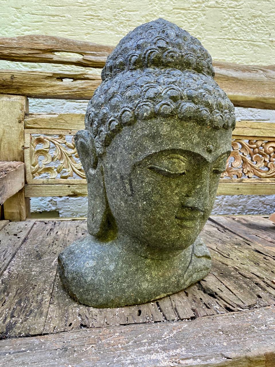 Steinskulptur Buddhabüste