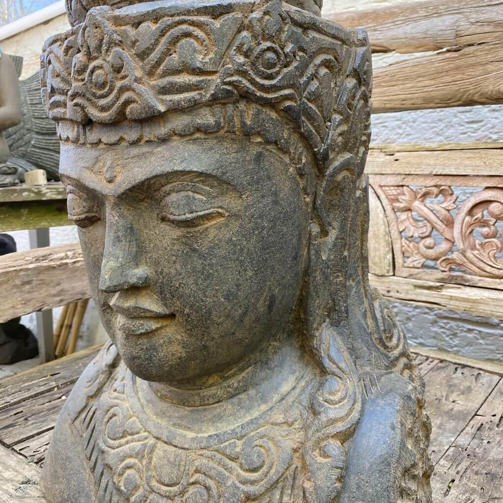 Steinbüste Dewi 68 cm