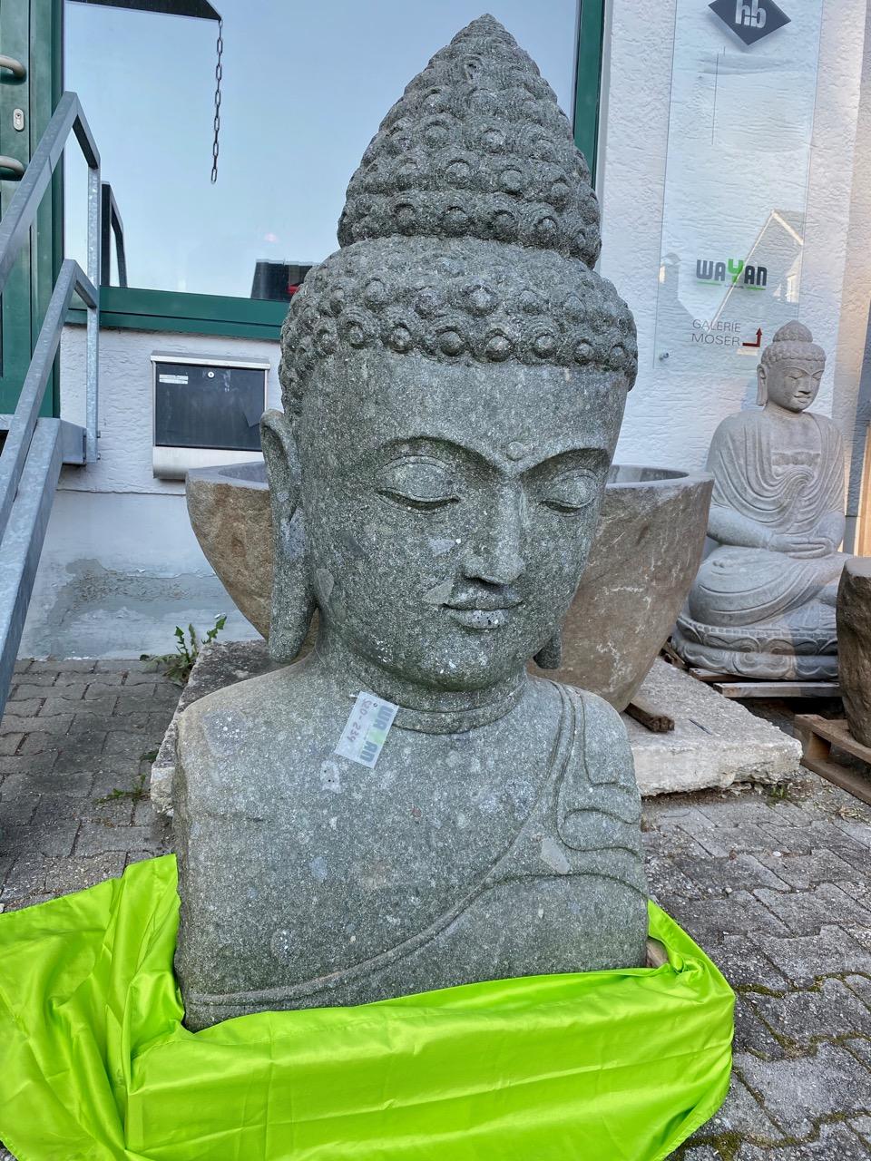 große Buddhabüste aus Stein