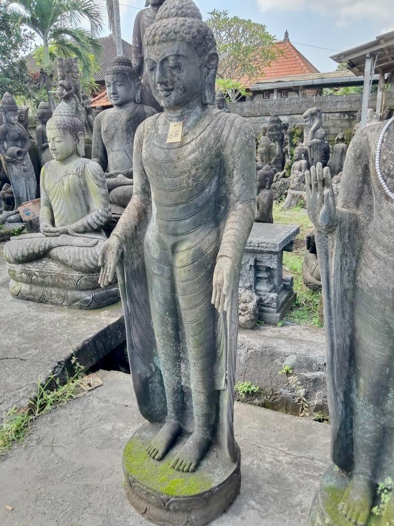 exzellente Flussstein Buddha Statue 172 cm